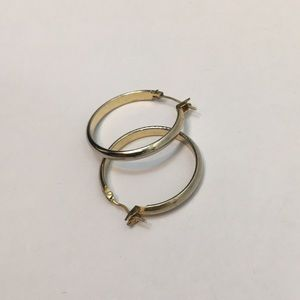 Uec Guess gold colored hoop earrings